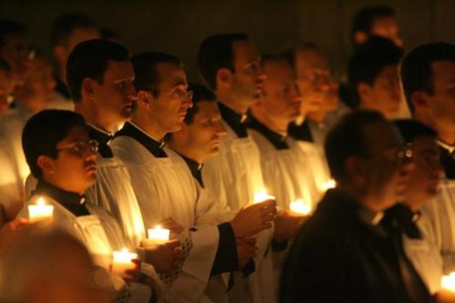Il Papa ai consacrati: «Svegliate il mondo»